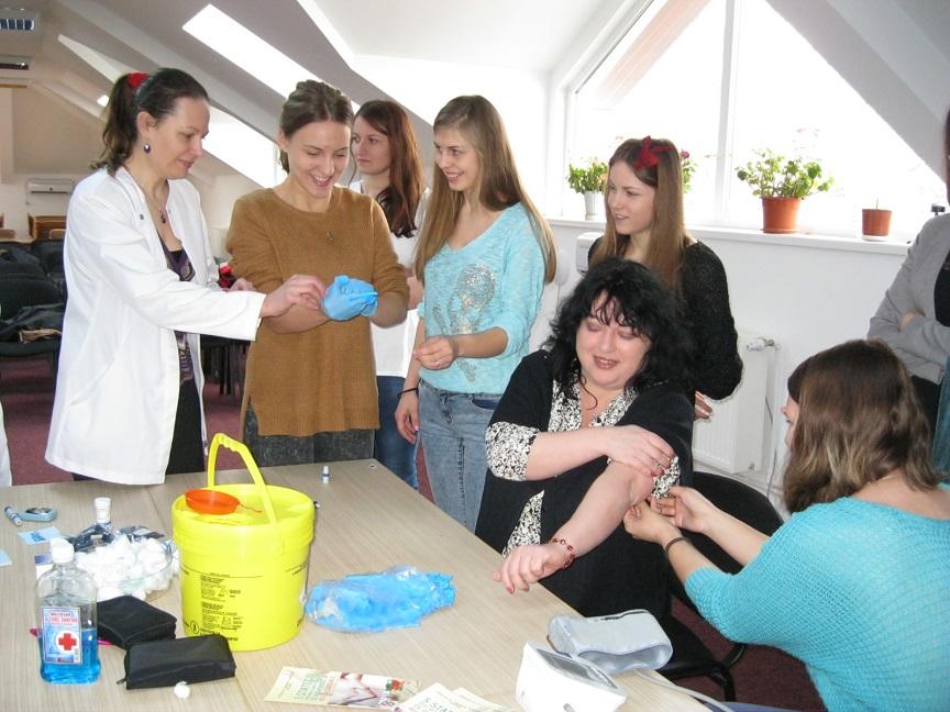 Masurarea de tensiune si testarea glicemiei